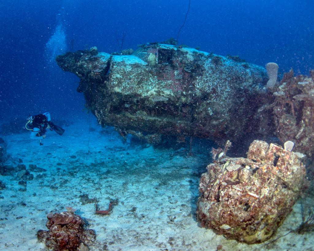 MIDWAY - Flugzeugwracks im Pazifik